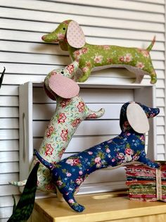 Seashore Household Decor – Decor That Resonates Along With The Surroundings - Decoration is Art Fabric Crafts, Sewing Crafts, Sewing Projects, Chien Basset, Dog Pattern, Stuffed Toys Patterns, Vintage Dolls, Rustic Style, Cool Toys