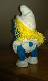Knitted Smurfette doll Smurfette, Knitted Dolls, Dinosaur Stuffed Animal, Toys, Crafts, Animals, Activity Toys, Manualidades, Animales