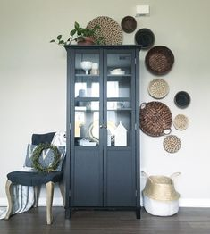 I love this basket wall! I love the modern mixed with global!