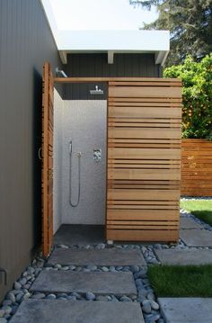 Outdoor Bathrooms 329888741446345962 - 30 Best Shower Ideas to Refresh Your Garden – image 17 Source by deheaulme