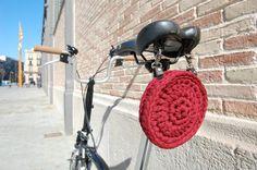 Cesta R. Cesta para el sillín de tu bicicleta. por amacrochet