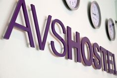 """AVS Hostel"" 3D Buchstaben"