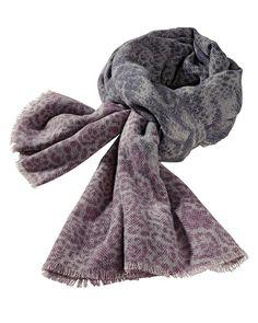 Schal    Vielseitiges und hochwertiges Accessoire mit Muster-Print und gefransten Enden.    Materialzusammensetzung:  Oberstoff: 55% Wolle, 45% Baumwolle...