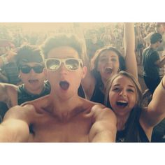 Throwbaaack to Coachella!! (Coachella is my bae, yeeeeeah)