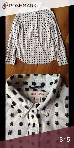 Merona Popover White popover with embroidered black design. In great condition. Offers welcome! Merona Tops Button Down Shirts