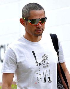 イチロー、今年のキャンプインTシャツは「人生は42歳から」 描いたのは浜ちゃん