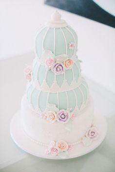 LOVE this light blue, pink and white #weddingcake! photos by Ben Yew Photography | junebugweddings.com