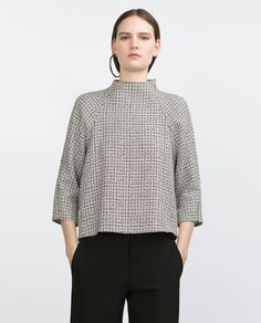 Buy Zara Women's Black Tweed Top, starting at Similar products also available. Tweed, Blouse Styles, Blouse Designs, Street Style Outfits, Mode Top, Moda Paris, Inspiration Mode, Nike Hoodie, Zara Women