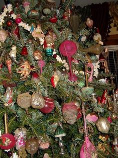 German Christmas Ornaments, Antique Christmas, Christmas Things, Christmas Wreaths, Feather Tree, Trees, Antiques, Holiday Decor, Antiquities