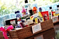 How to make a courtesy basket - My Wedding Reception Ideas Wedding Reception Ideas, Wedding Tips, Diy Wedding, Wedding Events, Wedding Planning, Wedding Day, Handmade Wedding, Trendy Wedding, Wedding Receptions