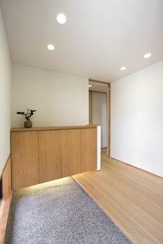 Entrance Ways, House Entrance, Entrance Doors, Entryway Cabinet, Shoe Cabinet, Duplex House, Minimal Home, Japanese Interior, House Inside