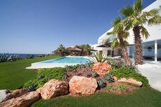 jochen lendle Open Air Kino, Golf Courses, Mansions, House Styles, Pools, Decor, Architects, Reinforced Concrete, Landscape Architecture