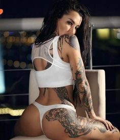 girls with tattoos 13
