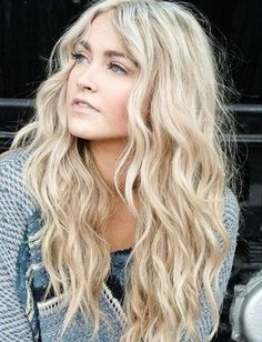 15 Summer Hairstyles From Pinterest - Daily Makeover - For perfectly tousled waves, curl your hair with a wand before bed. When you wake up you'll have amazing bedhead and perfect, loose waves.