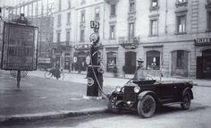 Distributore di Benzina 1924