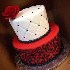 Black white and red birthday cake for a Phantom of the Opera theme annacakes.com