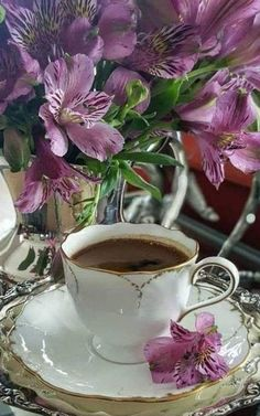 Coffee And Books, Coffee Time, Afternoon Tea, Tea Cups, Tableware, Painting, Contentment, Easy, Buen Dia