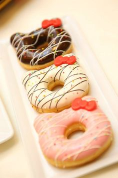 Omg these donuts are so cute! Would you eat these Hello Kitty Donuts? Check http://theichigoshop.weebly.com/ for more cuteness!