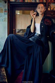 Team Mizuhara : Kiko Mizuhara for FHM Collections. Ellen Von Unwerth, Women Smoking, Girl Smoking, Cigar Smoking, Cindy Crawford, Japanese Models, Japanese Girl, Kiko Mizuhara Style, Hot Poses