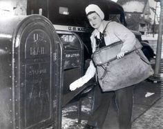 Jeannette Lee, Chicago's first female letter carrier, in 1944. Photo courtesy, Smithsonian Institute.