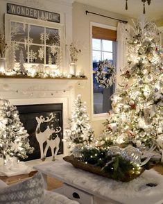 Are you searching for inspiration for farmhouse christmas decor? Check out the post right here for very best farmhouse christmas decor pictures. This specific farmhouse christmas decor ideas looks entirely superb. Diy Christmas Fireplace, Farmhouse Christmas Decor, Christmas Mantels, Noel Christmas, Country Christmas, Christmas Design, Farmhouse Decor, Flocked Christmas Trees, Winter Wonderland Christmas