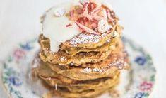 Gęsie łapki. Przepyszne ciasteczka twarogowe - Przepis - WP Kuchnia Pancakes, Breakfast, Food, Forbidden Love, Morning Coffee, Essen, Pancake, Meals, Yemek