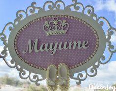 #Quadro #PortaMaternidade #Maternidade #Bebê #Baby #Menina #Menino #Girl #Boy #Enfeite #Mdf #Feltro #Nome #Decor #Decoração #Pérolas #Sapatinhos #Resina #Coroa #Antonella #Infantil #CháDeBebê #Quarto #QuartoDeBebê #Provençal #Arabesco #Floral