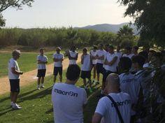 Discorso di mister Donadoni alla squadra (foto Bologna Fc)
