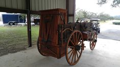 chuck wagon sales,stage coach sales,buggy sales,chuck wagons repair,and wheelwright service Horse Drawn Wagon, Wooden Wagon, Old Wagons, Chuck Box, Covered Wagon, Chuck Wagon, Cowboy And Cowgirl, Wooden Diy, Cannon