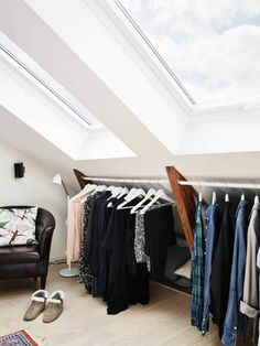 10 Smart Development Ideas in the Attic - Attic Dream - Ikea DIY - The best IKEA hacks all in one place Loft Closet, Ikea Closet, Closet Bedroom, Mezzanine Bedroom, Loft Room, House Staircase, Slow Design, Master Room, Attic Apartment