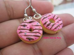 Small donuts earrings, gift, polymer clay, miniature food, fodie, doll house, kawaii, charm, fake food, hand made with love de KookiesLovebyKary en Etsy