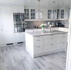 Stunning 43 Stunning White Kitchen Design Ideas To Try. Stunning 43 Stunning White Kitchen Design Ideas To Try. Refacing Kitchen Cabinets, White Kitchen Cabinets, Kitchen Cabinet Design, Bodbyn Kitchen Grey, Oak Cabinets, Home Decor Kitchen, Home Kitchens, Kitchen Modern, Kitchen Decorations