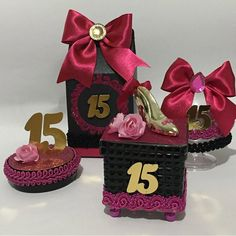 Minnie, Favor Boxes, Quinceanera Dresses, Sweet 16, Decoration, Party Favors, Barbie, Christmas Ornaments, Holiday Decor