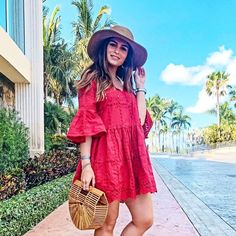 Major vacay vibes with babe @sunniesandsangria in our red smock dress. Shop link in... Could I buy this? Love it <3 #outfit #style #Cute #ootd