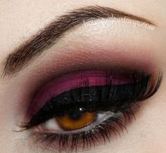 So pretty... Dark brown and red crease, magenta shadow and black liner with some sparkle<3