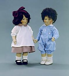 "Elizabeth (left in photo) 17"" molded felt, fully jointed. Date of Release: 1981-84. Series I, Ltd. Ed. 250.  William (right in photo) 17"" molded felt, fully jointed. Date of Release: 1981-84. Series I, Ltd. Ed. 250"