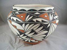 Laguna Pueblo Indian Pottery Olla Alfred Pino