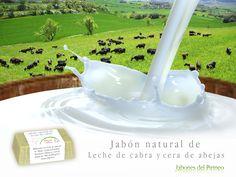 Jabones elaborados artesanalmente con leche de cabra y cera de abejas.