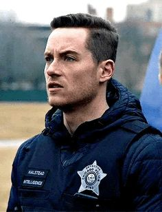 I don't even know what he's saying but damn he is good looking. Nbc Chicago Pd, Chicago Shows, Chicago Med, Taylor Kinney Chicago Fire, Hank Voight, Bae, Jay Halstead, Jesse Lee, Man Crush Everyday