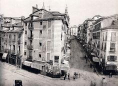 Puerta del Sol, 1857. De izquierda a derecha, calles Carmen y Montera - Portal Fuenterrebollo Old Photography, Science And Nature, Old Pictures, Historical Photos, Places To See, To Go, Around The Worlds, Street View, History