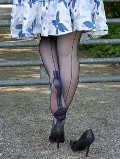 ✿⊱╮Gorgeous Nylon Clad Legs