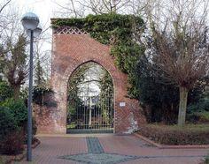 Tor des jüdischen Friedhofes Castrop-Rauxel by wpt1967, via Flickr Next Door, Sidewalk, Explore, Photography, The Fifties, Photograph, Side Walkway, Fotografie, Walkway