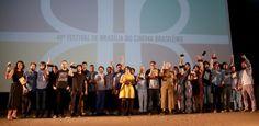 """""""A Cidade Onde Envelheço"""" é o grande vencedor do Festival de Brasília #Ator, #Atriz, #Brasil, #Cinema, #Curta, #Diretor, #Drama, #Festival, #Filme, #Fotografia, #M, #Presidente http://popzone.tv/2016/09/a-cidade-onde-envelheco-e-o-grande-vencedor-do-festival-de-brasilia.html"""