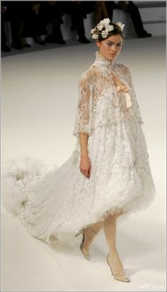 Chanel: omg !!!!!!!! This is everything i wish to be, only a beautiful veil is missing