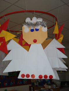 engel vouwen Christmas Angel Crafts, Christmas Time, Crochet Angels, Kids Artwork, December, School, Winter, Activities, Manualidades