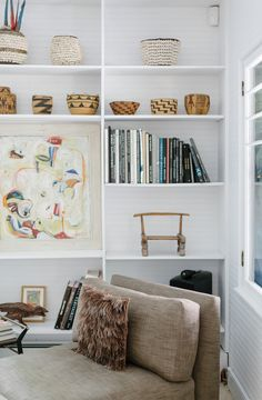 Home Tour: Rad and Kate MacCready (The Fresh Exchange) Home Office Design, House Design, Home Decor Inspiration, Design Inspiration, Vintage Bookshelf, Bookshelves Built In, Bookcases, Interior And Exterior, Interior Design