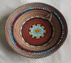 Beautiful pine needle art basket -Flowerburst by TwistedandCoiled Native American Baskets, Native American Crafts, Weaving Art, Hand Weaving, Pine Needle Crafts, Indian Baskets, Pine Needle Baskets, Fibre And Fabric, Pine Needles