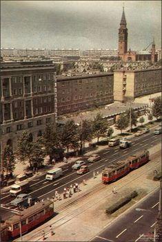 Warszawa 1966, ul. Marchlewskiego (ob. Jana Pawła II) Old City, Old Photos, Popular, Illusions, Paris Skyline, Environment, Urban, Beirut, Sunset
