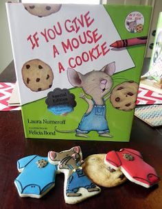 If You Give a Mouse a Cookie decorated Cookie for a Baby Shower by Sweet Melissa's Cookies