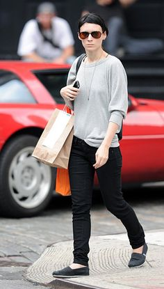 A gray sweatshirt to pick up food in New York. Talk about *living the dream.*